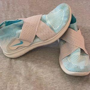 Nike Free Run Flyknit no-tie Running Shoe